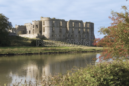 carew castle built in the 12th