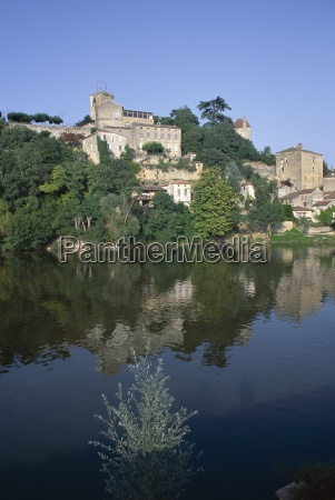 river lot puy leveque near cahors