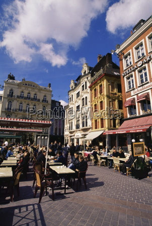 flemish houses and cafes grand place