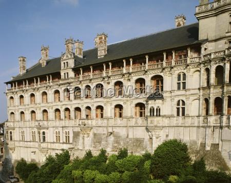 aussenansicht des chateau blois centre frankreich