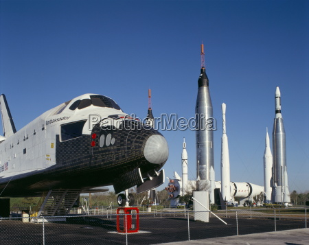 retired shuttle und raketen kennedy space