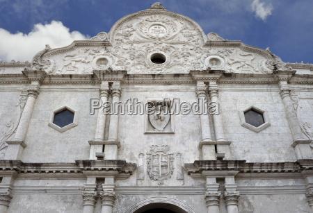 the 18th century facade of cebu