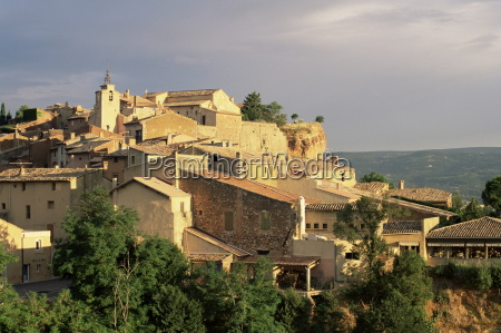 the village of roussillon at suise