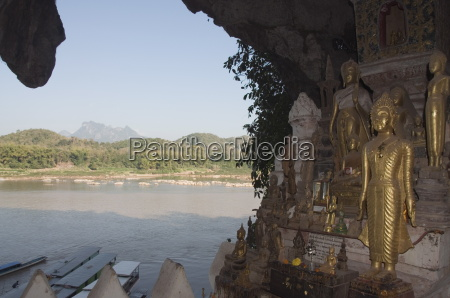 buddhas in pak ou caves mekong