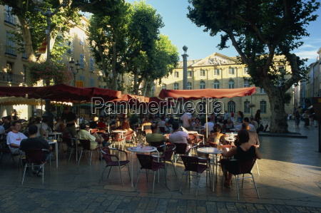 pavement cafe in the place de