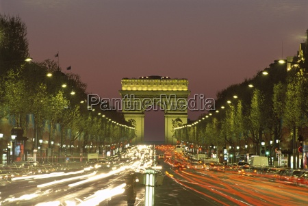 avenue des champs elysees and the