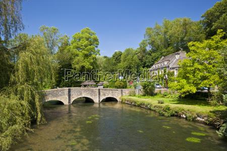 bridge over river coln bibury cotswolds