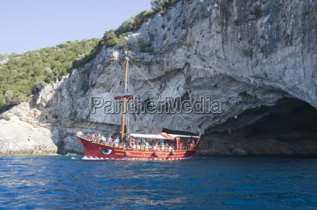 tourist boat at papanikolis cave meganisi