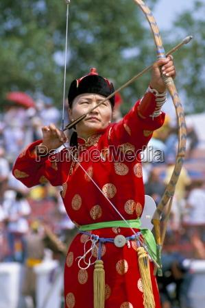 bogenschießen, naadam, festival, oulaan, bator, (ulaan, baatar), mongolei, zentralasien, asien - 20675861