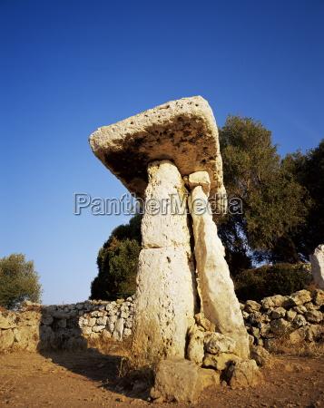 taula of torre trencada menorca minorca