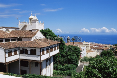 houses and sea view la orotava