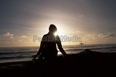 lob den sonnenuntergang ueber dem pazifischen