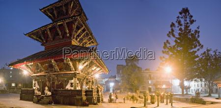 fahrt reisen religioes tempel glaeubig farbe