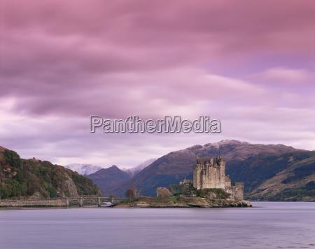 eilean donan castle dornie lochalsh loch
