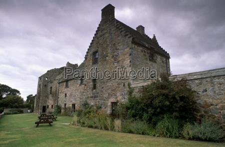 aberdour castle 14th century tower aberdour