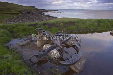 shipwreck anchor in soltuvik bay west