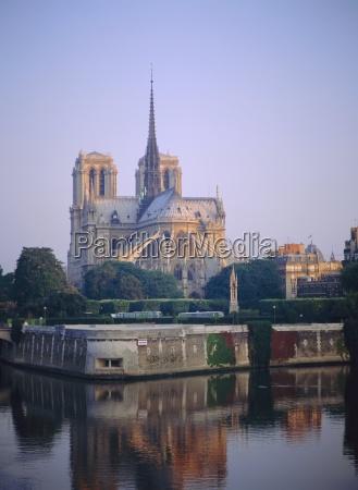 religioes glaeubig dom kathedrale europa paris