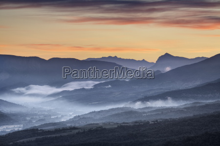 dawn over vallee de lasse and