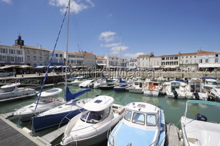 harbour and quayside la flotte ile