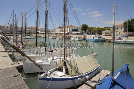 harbour and quayside la flotte ile