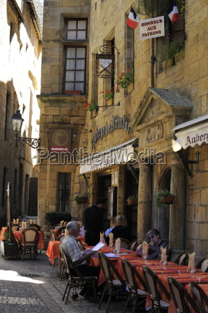 restaurant in the old town sarlat