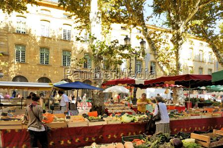 fruit and vegetable market aix en