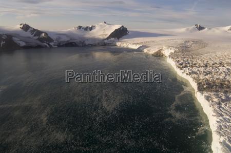 hubschrauberflug auf dem huntress gletscher false