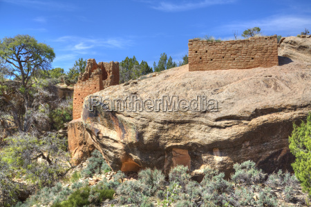 ruins of ancestral puebloans dating from