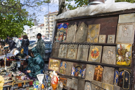 icons at aleksander nevski church market