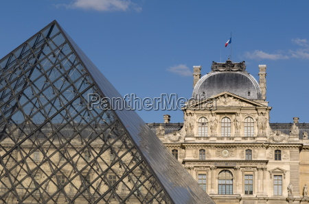musee du louvre and pei pyramid