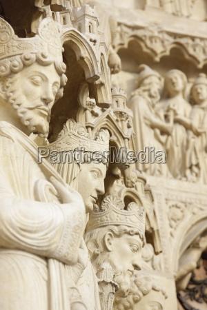 statues notre dame cathedral paris france