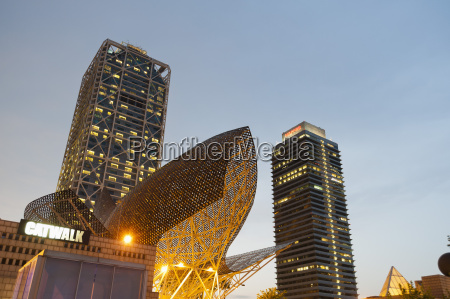 golden fish by frank owen gehry