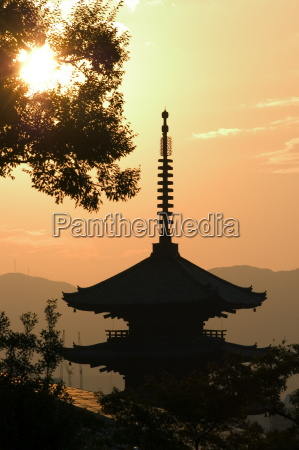 sunset yasaka no to pagoda kyoto