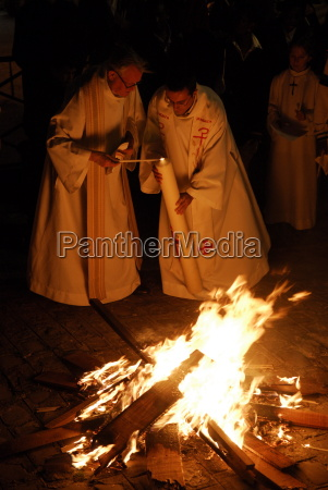 easter vigil paris ile de france