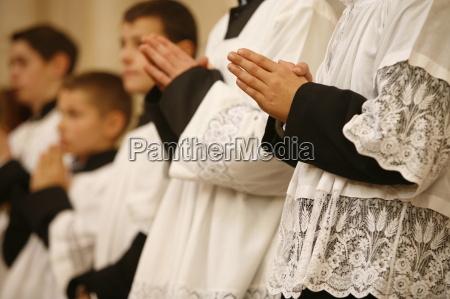 hand haende fahrt reisen religion kirche