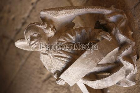 sculpture of an angel cadouin abbey