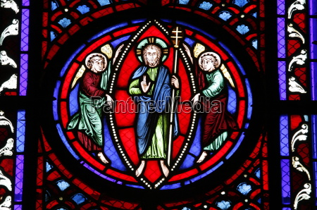 stained glass of the resurrection semur