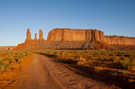 three sisters mitchell mesa monument valley