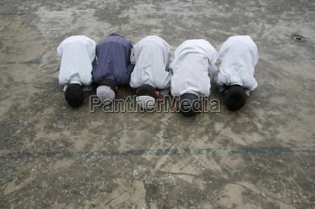 muslimischen jungen zu beten kathmandu nepal
