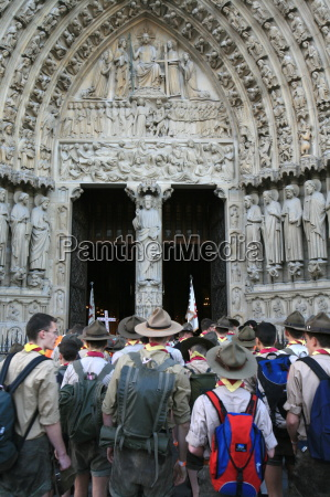 traditionalist catholic scouts rally on pentecost