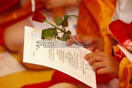 buddhistische zeremonie fuer kinder und anfaenger