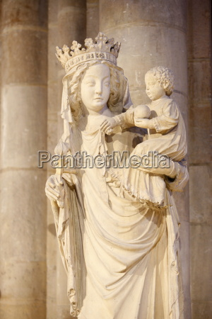 a 14th century virgin and child