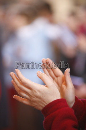 kvinde kvinder hand haender religion person