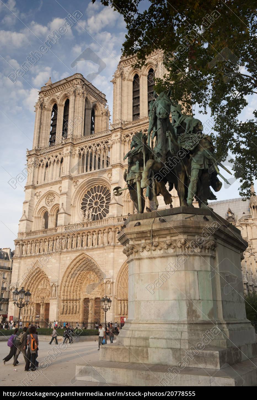 gotische, kathedrale, notre, dame, und, statue - 20778555