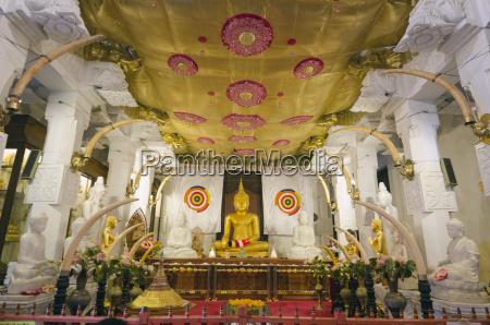 temple of the tooth sri dalada