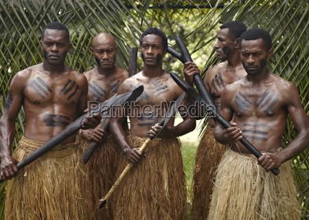 authentische fidschi eingeborenen first landing resort
