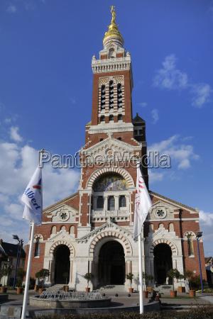 basilica of notre dame de brebieres
