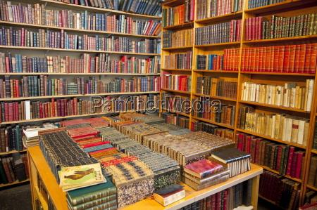 books for sale les puces de