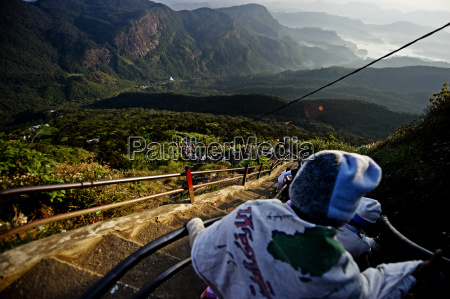 pilgrims descending sri pada adams peak