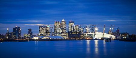 panoramic view of london skyline over